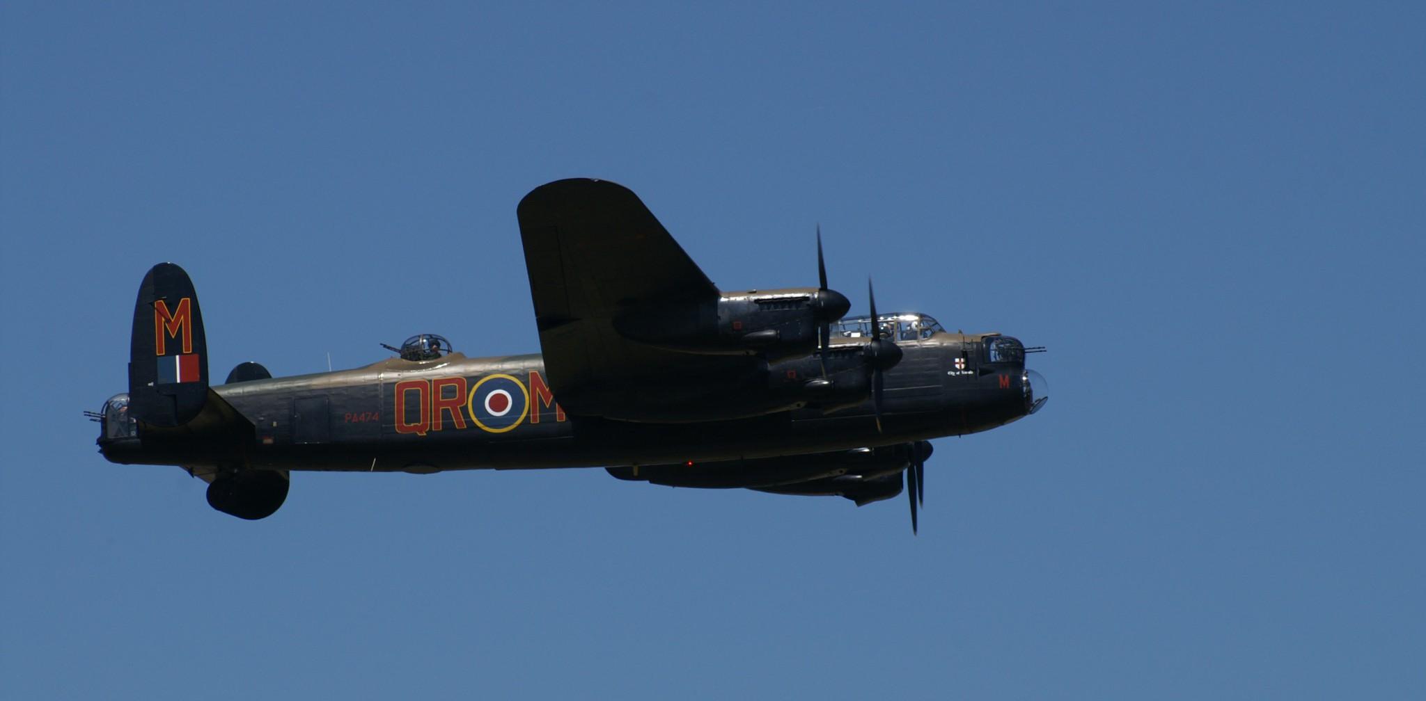 Avro Lancaster ND 559 GT-J